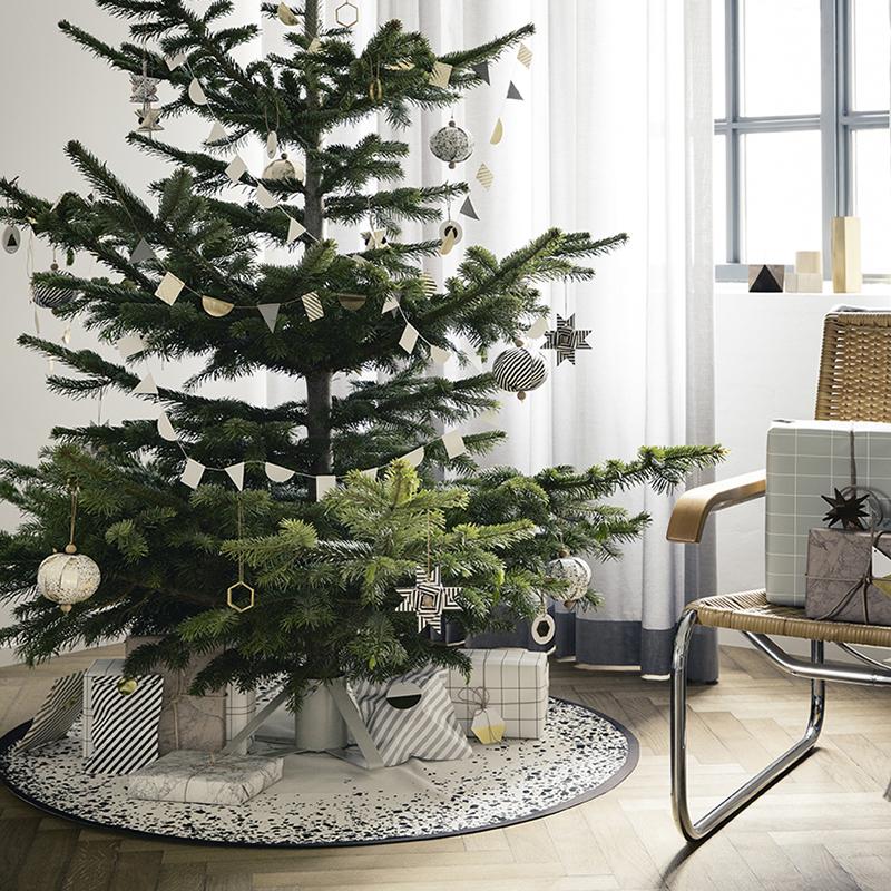 tapis pour sapin de noel Un joli cadeau pour votre sapin de Noël ! – La Petite Scandinave tapis pour sapin de noel