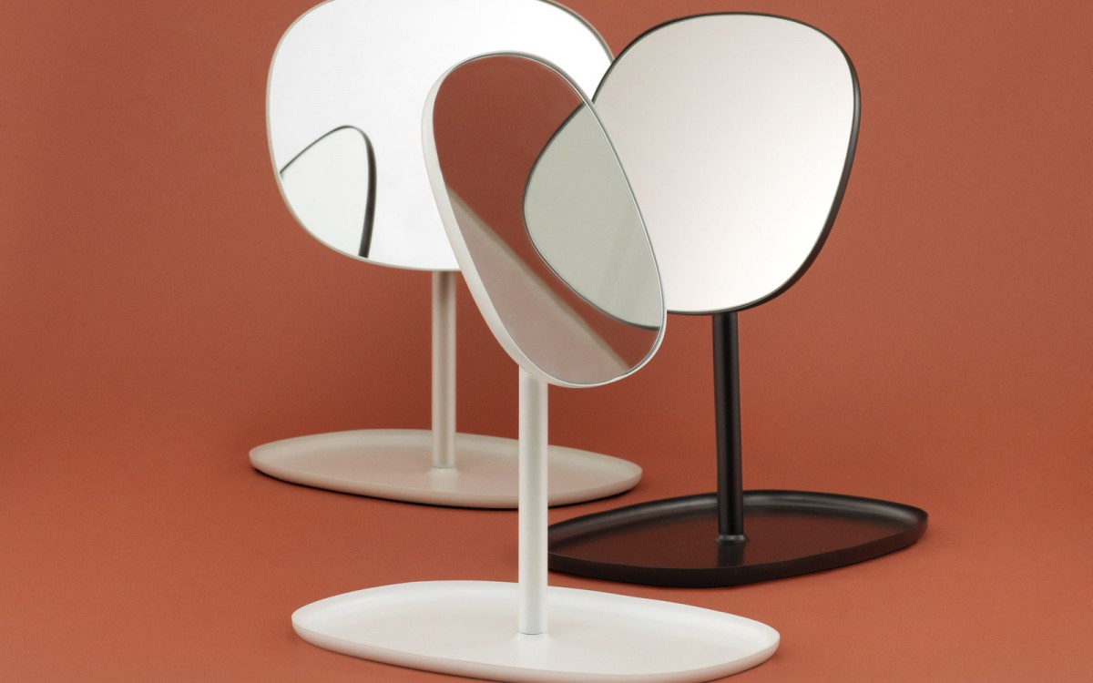 Flip-Mirror_All_Group_On_Brown
