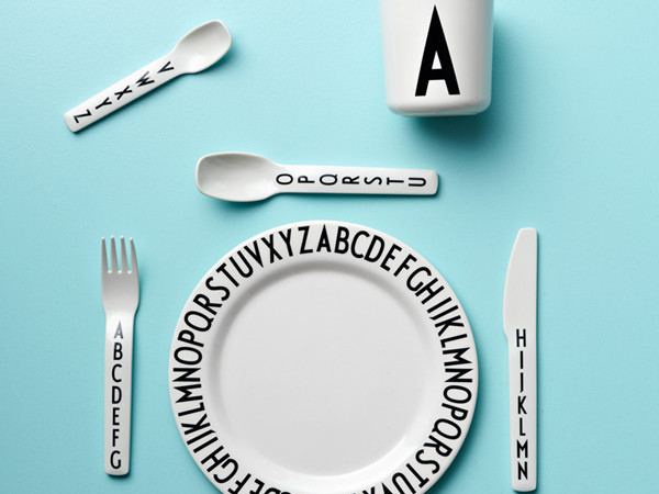 Melamine-Set-Design-Letters
