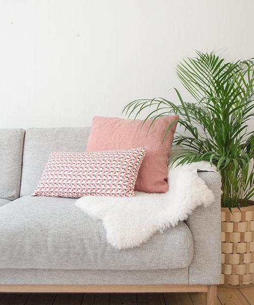housse de coussin stellarose 35x55cmlina johansson la petite scandinave. Black Bedroom Furniture Sets. Home Design Ideas